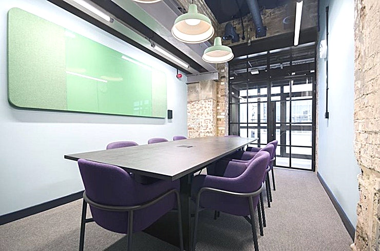 Nut **Looking for a meeting room in Wood Green? Nut at The Chocolate Factory is available to hire.**  The Chocolate Factory is home the Nut which is an 8 person meeting room.    It is located in Wood Green and its studio is designed with a stylish modern taste, ideal for your next small meeting.