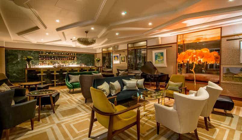 Cocktail Bar, Devonshire Club