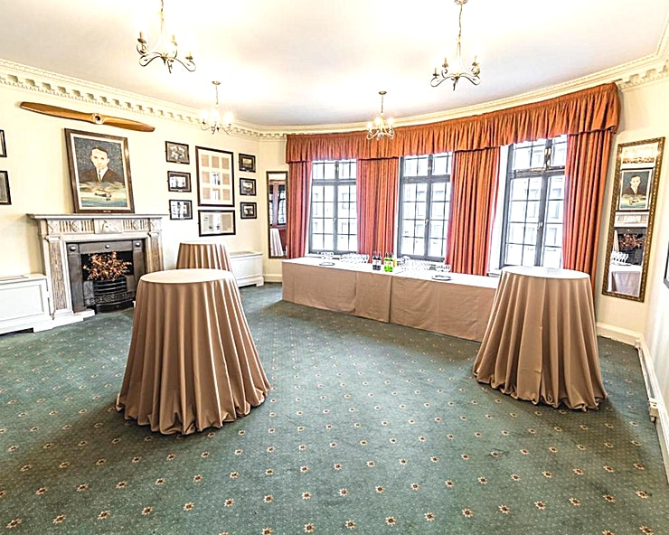 Sopwith Room **The Sopwith Room at No.4 Hamilton Place is a stylish event Space for hire in Mayfair.**  Located on the second floor, the Sopwith Room has great natural light through bow windows.  For those who