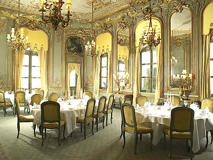 The French Dining Room **It was on a visit to Paris in 1897 that William Waldorf Astor was shown the intricate gilded panelling in Madame de Pompadour's 18th-century dining room at the Château d'Asnières.** 