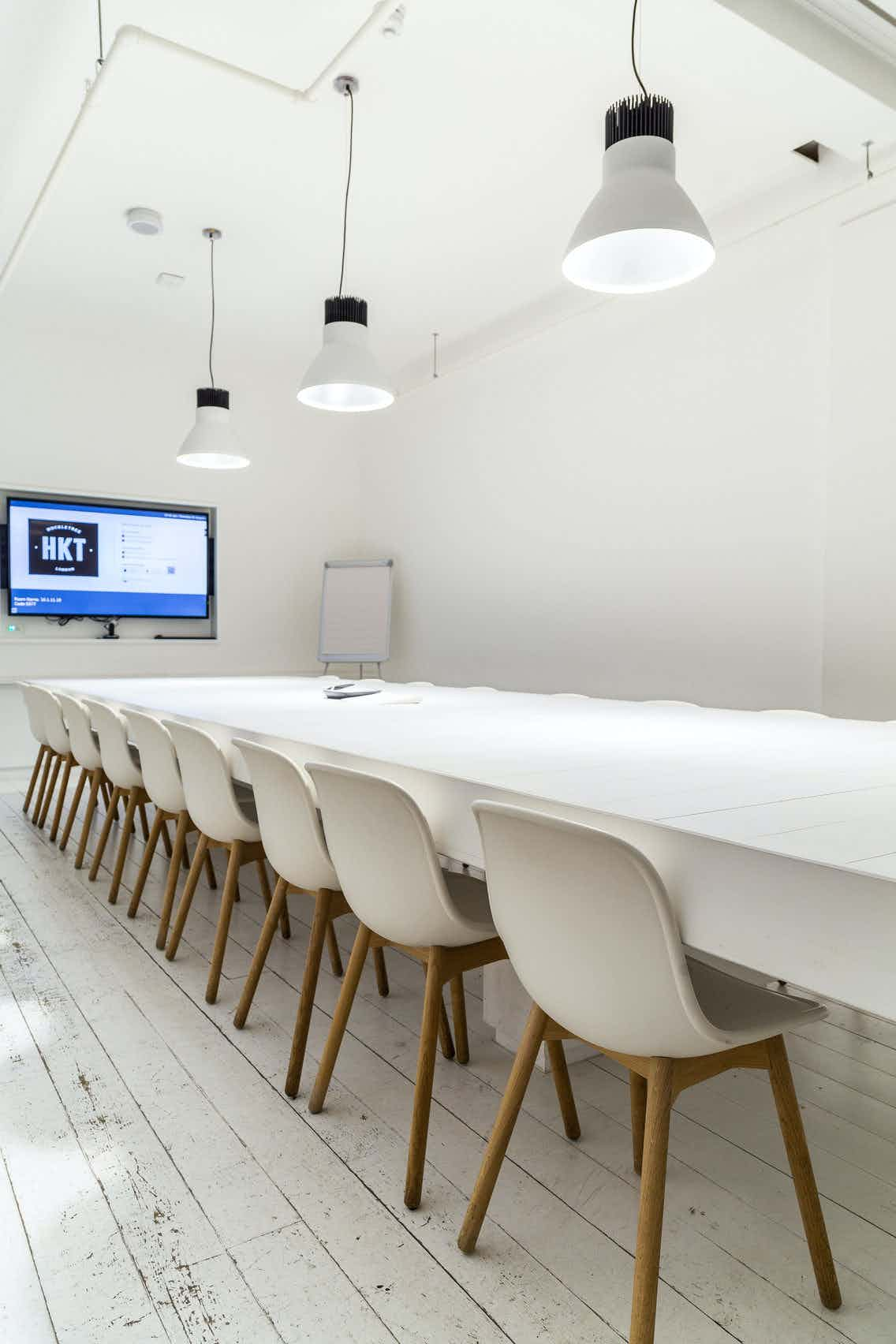 Cupertino Meeting Room, Huckletree Shoreditch