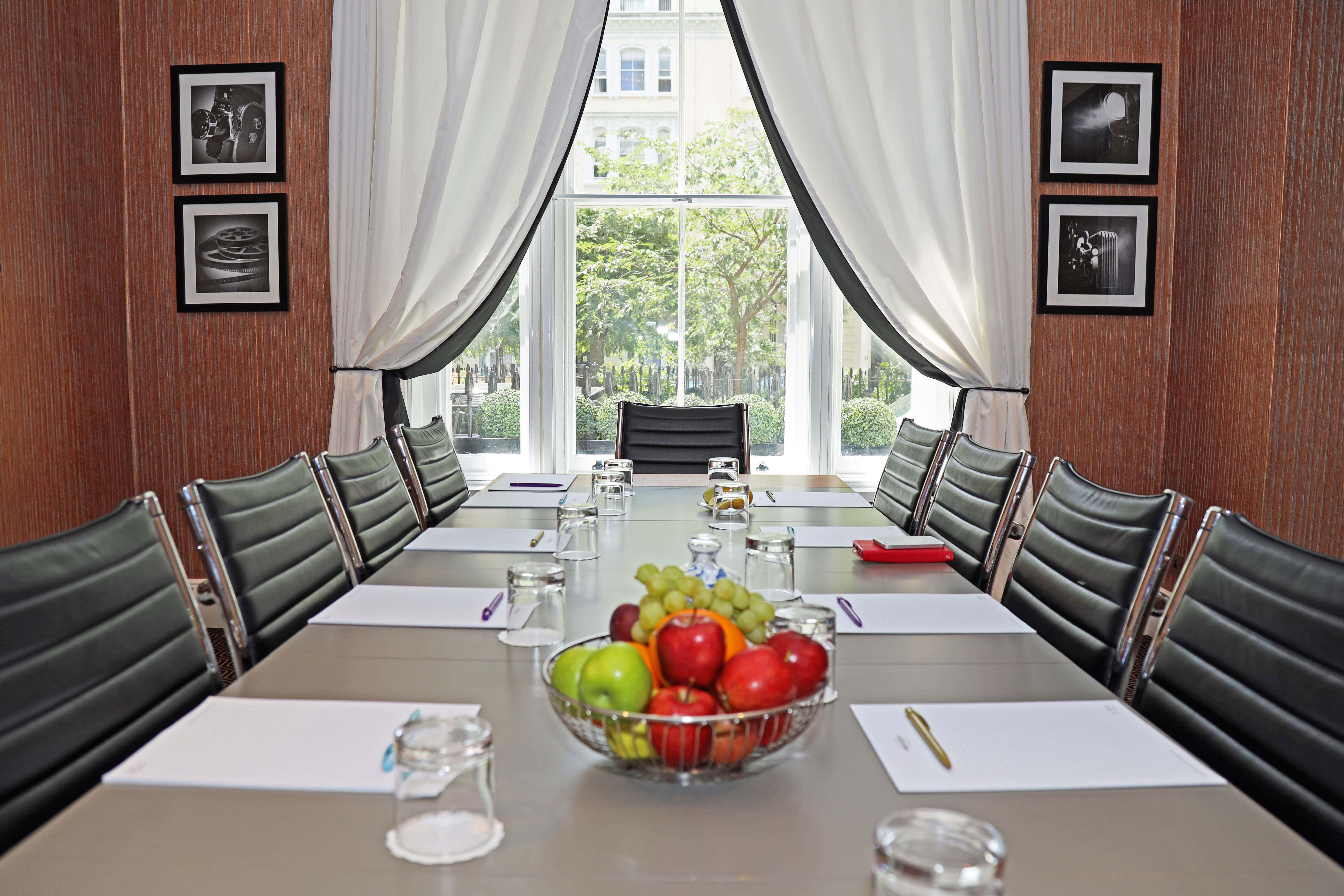 Churchill Suite, Mercure London Hyde Park Paddington Hotel