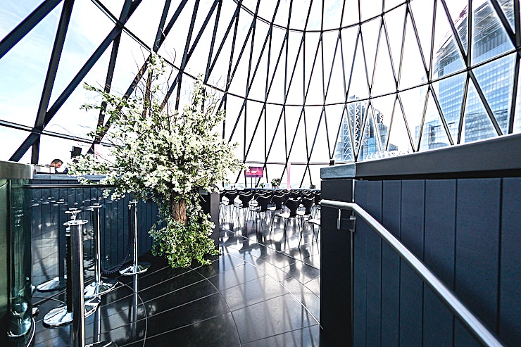 Exclusive Hire of Helix and Iris **The stunning Private Dining Room on level 38 can be hired throughout the day and evening. Perfect for intimate breakfasts, lunches, exclusive dining experiences and small drinks receptions this is t