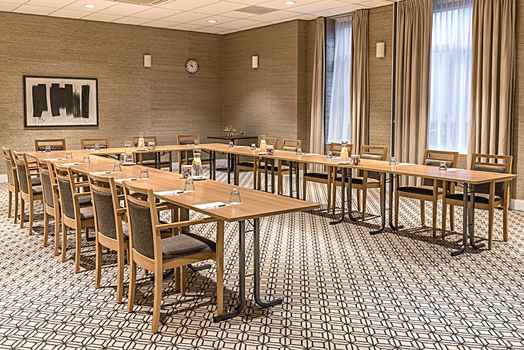 Stratum Room  Thanks to its central location, among others, Sandton Eindhoven Centre is the ideal venue for your course, presentation, or meeting.   The hotel has 7 ultra-modern air-conditioned conference rooms tha