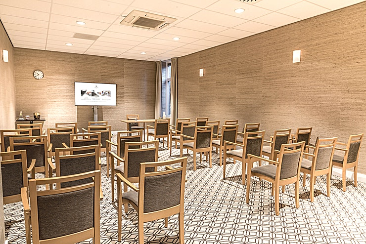Anton Philips Hall Are you planning a meeting in Eindhoven? Sandton Eindhoven Centre is the ideal location for your meeting, workshop or training in the center of the city.   You can choose from 7 ultramodern meeting ro