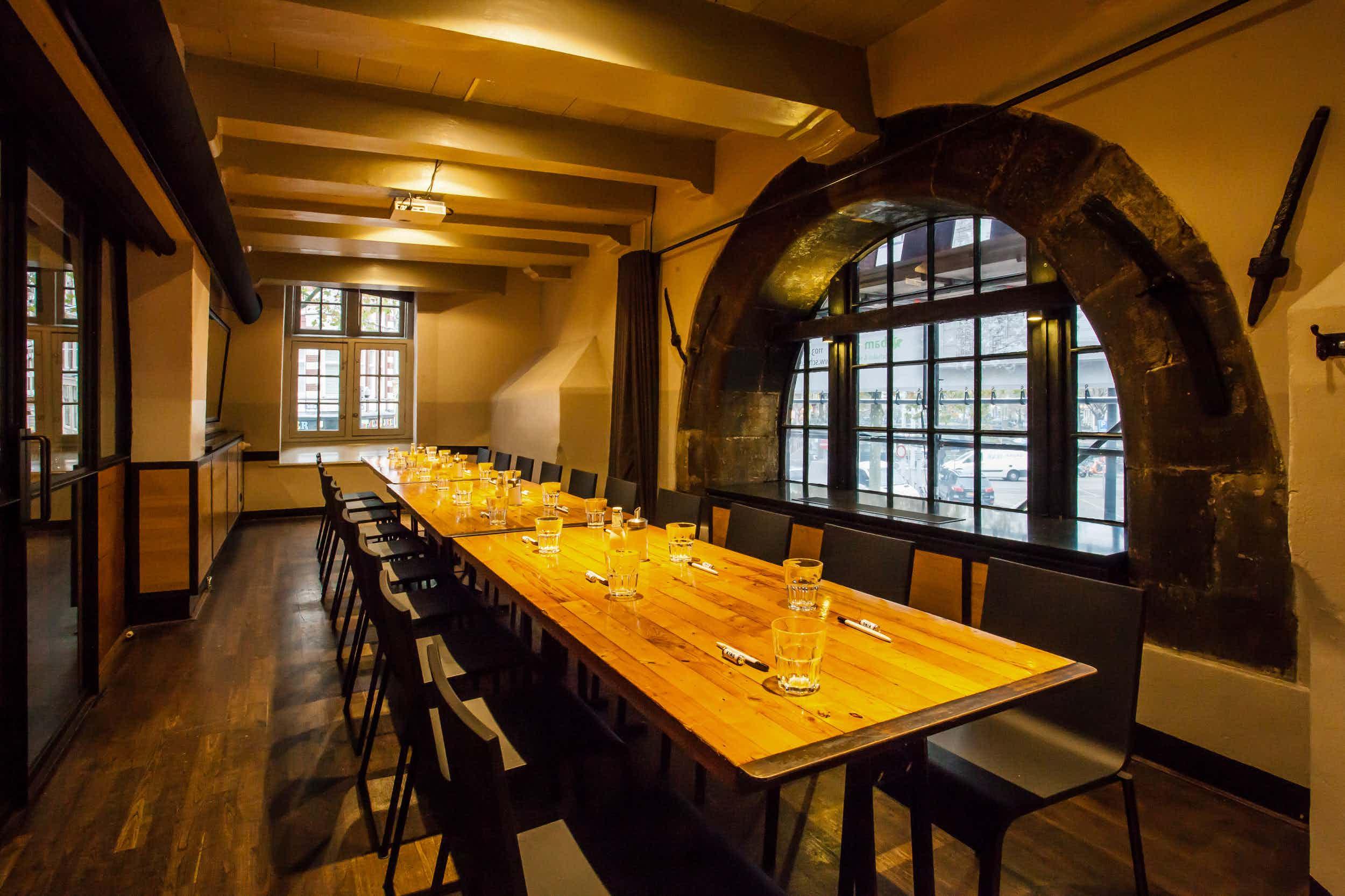 Gueldersroom, Cafe In de Waag