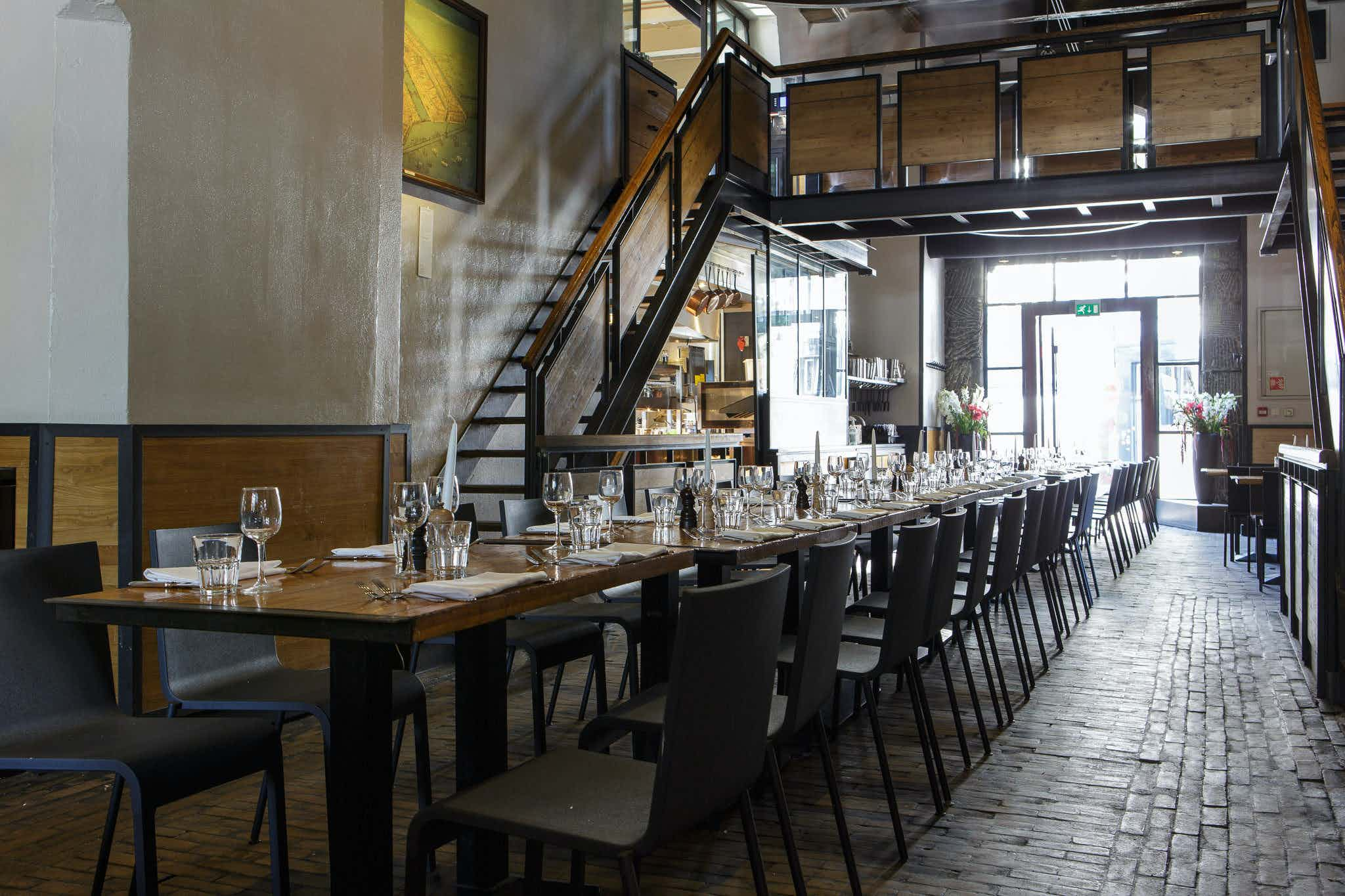 St. Antonis passage, Cafe In de Waag