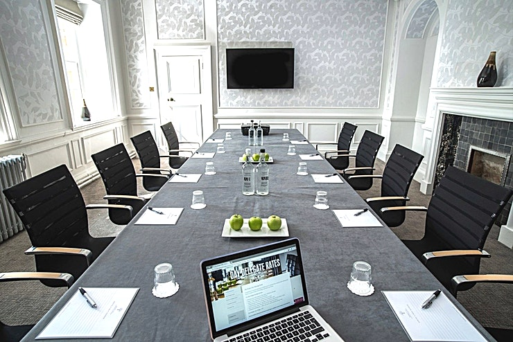 Chestnut **Located on the first floor, this meeting room is south facing, benefiting from natural daylight.**  Whether you seek a traditional meeting room with inspiring views or a smaller, more modern syndi