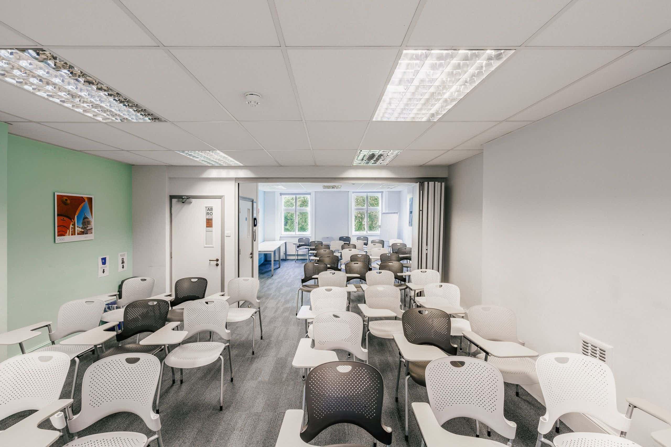 Kew meeting room, CIEE, Russell Square