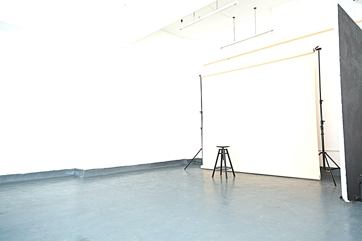 Daylight Studio **Dot Athena have a spacious studio for hire in Bermondsey.**