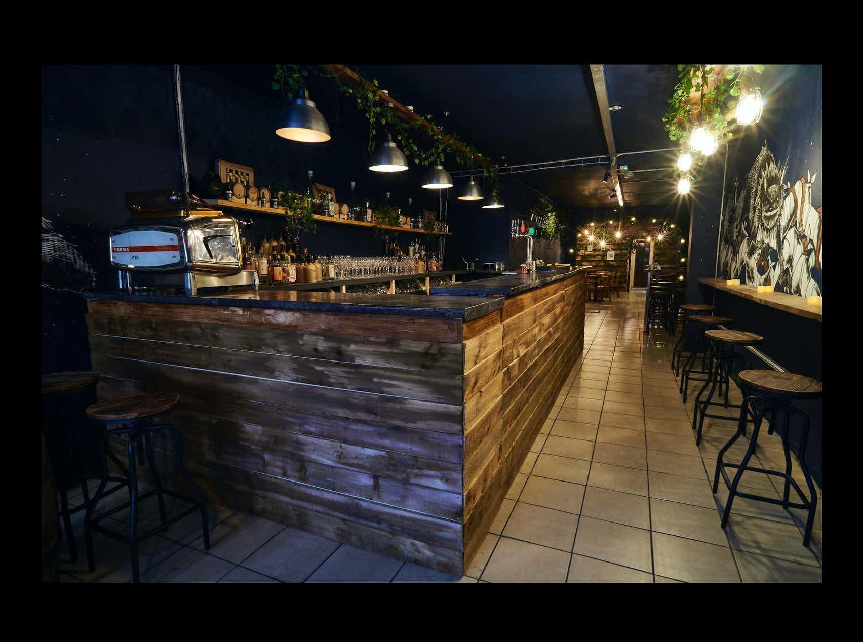 Cocktail Bar, Batch