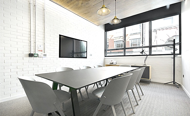 Buckskin **Buckskin at The Leather Market is a modern 8 person Meeting room in Bermondsey.**