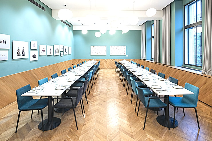 Private Dining Room **The private dining room, part of Wellcome Kitchen, is an airy modern Space with plenty of natural daylight.** 