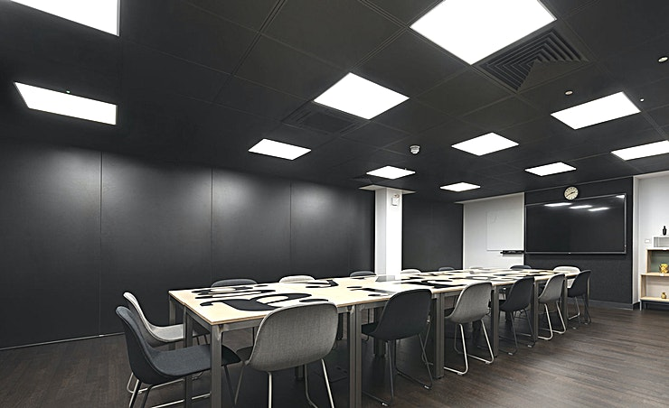 Iron **The Iron space at Workspace Fleet Street is perfect for your next meeting room hire in London.**   Iron is one of our two large meeting or training spaces, located on the lower ground floor.  Tables can easily be moved to any suitable layout, and create space for classroom style training courses, large presentations or company networking events.  The room features an LED screen, whiteboard and high speed Wi-Fi and can be booked by the day, or by the hour.